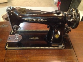 1950 Singer, found at Habitat for Humanity in 2014. Please see entry below for the magical back story on this machine.